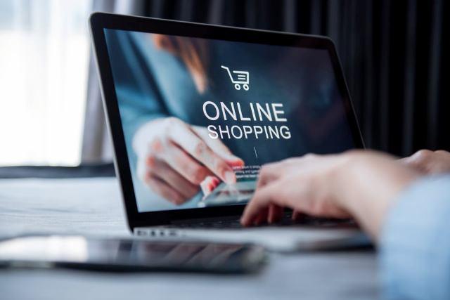 Vivre dans les Dom Tom : meilleurs bons plans pour le shopping en ligne